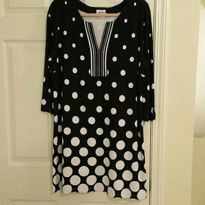 Dress NWT Crown & Ivy fun & flirty dress